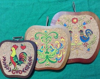 Vintage Set of 3 of Rooster Hot Plate Trivets