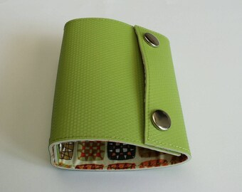 Recycled - Card holder in green n 46 recycled linoleum