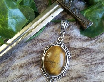 Pendant medieval Celtic Tiger eye