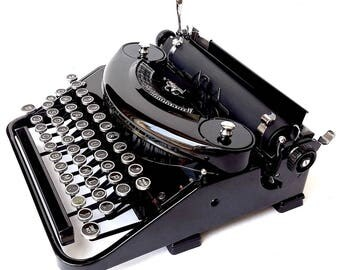 Underwood Noiseless Manual Portable Typewriter