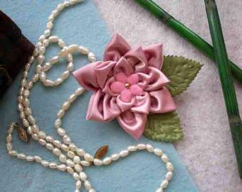 Buy a brooch of kanzash,buy textile brooch,buy brooch,brooch hand embroidery