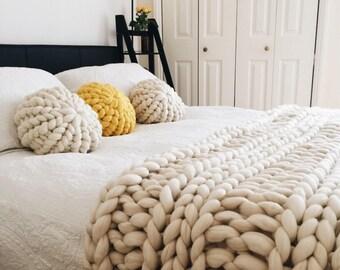 Chunky Knit Cushion   Round Pillow   Round Cushion   Chunky Knit Pillow   Decorative  Pillows