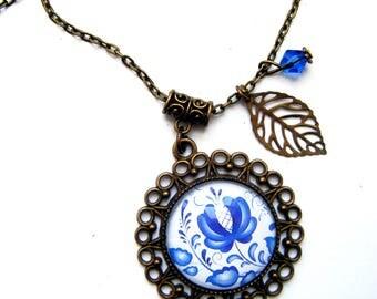 "Bronze medallion pendant ""Old blue porcelain"""
