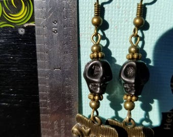 Couch Tour, Dangle Earrings, Skull, Howlite Skull, Black, SYF, Antique Bronze, Sofa