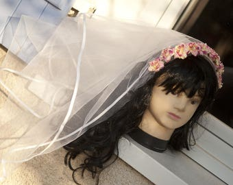 Hair accessory mounted on Wedding Veil