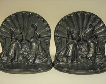 Vintage Art Deco Cast Metal Iron Asian Oriental Kissing Lovers Bookends