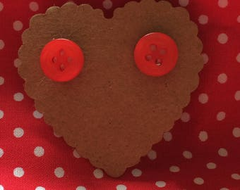 Res button earrings