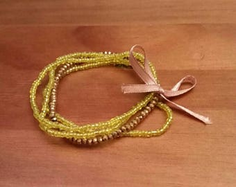 Bracelet Bohemian faceted bow with mustard yellow and Golden beads: silence is golden