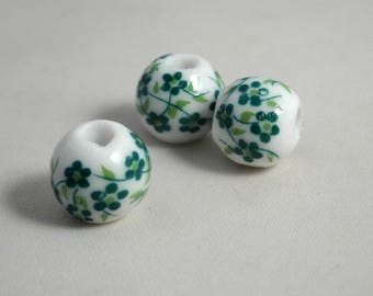 3 ceramics pearls 10 mm (PC110): white/green flowers