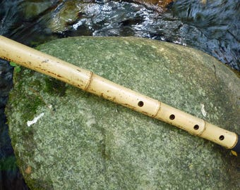Flute SHAKUHACHI JINASHI 1.9 in C  (this is the note that sounds when you close all holes) with cap.