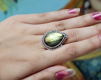 green fire labradorite ring, 925 silver labradorite, handmade silver jewelry, healing labradorite, solid silver ring, big labradorite ring