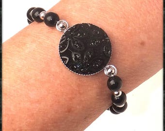 Bracelet cabochon black and assorted beads