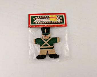 New Old Stock Commodore Paper Garland - Toy Soldiers - Vintage