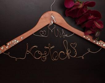 Customized bridal hanger