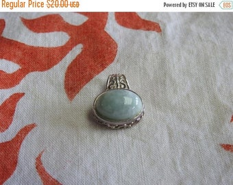 ON SALE stunning vintage sterling silver and jade pendant