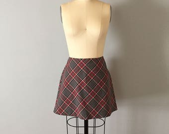90s plaid mini skirt || gray and red cross plaid skirt
