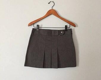 20% OFF SALE... 90s asphalt gray mini skirt | micro mini pleated skirt | buckle and push pin skirt