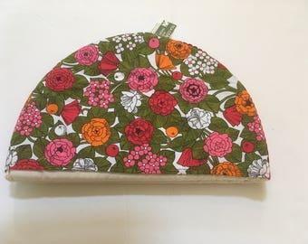 Vintage Tea Cosy 100% Cotton Floral Design Clover Leaf Product Made In England