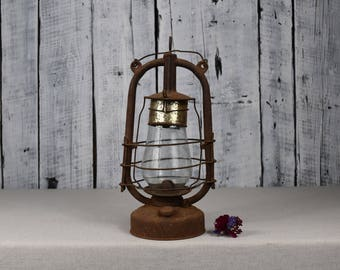 Antique oil lamp / Kerosene lamp / Vintage oil lantern / Old oil lamp / Antique oil lantern hanging / Farmhouse country decor / Country chic