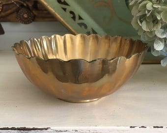 Small Scalloped Brass Bowl (Made in Korea)