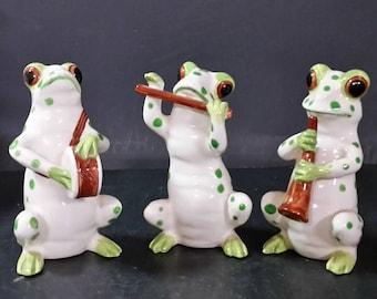 3 piece, ceramic frog band.
