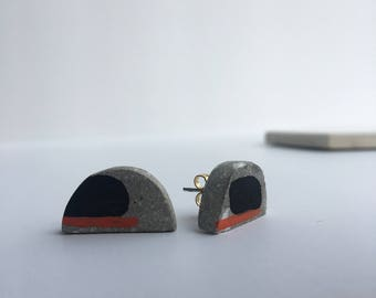 Concrete and wood studs. Summer Collection: Bauhaus Satellite