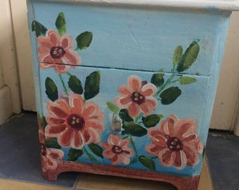 Bedside cabinet and storage chest