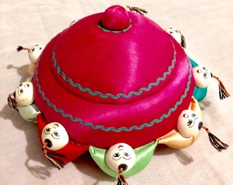 Free Shipping! Very Unique Vintage Pincushion