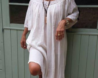Magnificent dress ecru lace and Indian cotton gauze