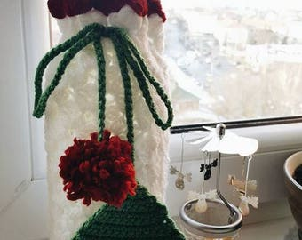 pom pom  Cover Wine  Crochet Christmas gift  Wine bottle holder Hostess present  in crochet bag Christmas tree decor green white silver red