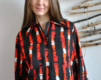 Classic womens blouse 1990s 1980s vintage black red abstract figures print shirt