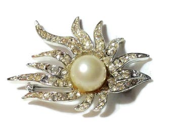 Vintage Silvertone Pearl and Rhinestone Pin