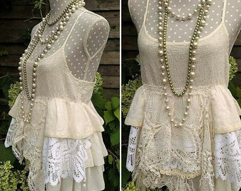 Tunic in vintage lace magnolia pearl. Ruffled bohemian tunic, handmade french crochet, Stevie Nicks style, festival clothing, hippie gypsy.