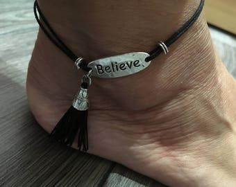 Adjustable ankle bracelet