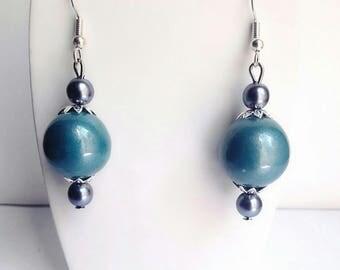 Chic turquoise earrings shine