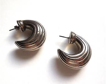 Pair of earrings - silver synthetic color