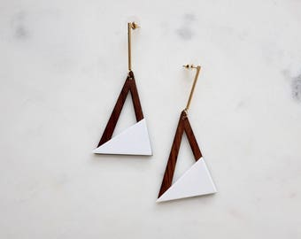 D'triangle wood with white tip earrings