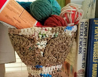 Small Owl Plarn Basket