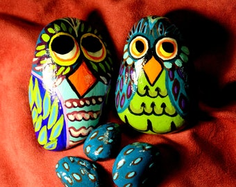 Hand Painted Rocks set of 6. 2 Owls, and 3 eggs, and a little wooden log shelf.  Wooden Log shelf can be hung to set rocks on.