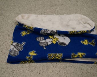 Snoopy Fleece and Minky Snood for KIds/Kids Warm Winter Scarf/Snoopy Snood for Kids /Cache-cou Snoopy en polaire et minky pour enfants