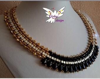 Graphic necklace elegant and refined SPIRIT