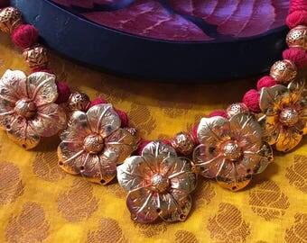 Geru flower adjustable necklace
