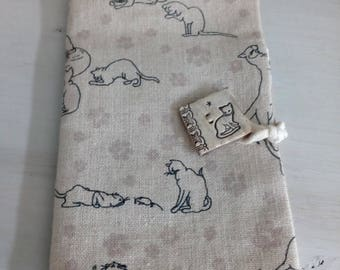 Case for smartphone, cats print linen