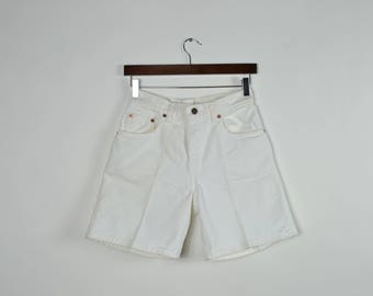 Vintage White High Waisted Levis 550 Shorts