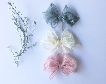 Petite fluffy lace bows