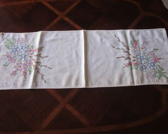 Pretty Embroidery Table Runner