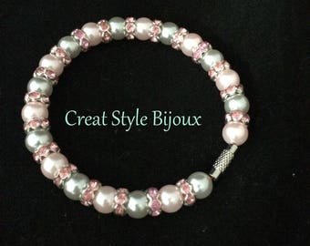beautiful Pearl and rhinestone bracelet