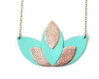 Clear and gold pink green Pia necklace