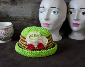 Vintage hat for young children.