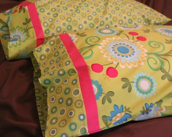 Green Floral Dreams Pillowcase Set